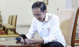 Jokowi Minta Dikritik, Warga Dibayangi Buzzer dan UU ITE