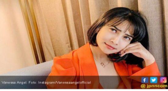 Vanessa Angel Tegang Diapit Suami dan Mantan Kekasih
